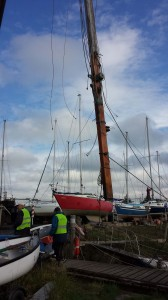 The main mast from Nigel's vessel took some time to remove - it was the first time the vessel had been moved for some time.  After an interesting passage down the Creek, mudberth number 1 was used for this operation.  We look forward to seeing the results of David Moss's work on the mast next season!